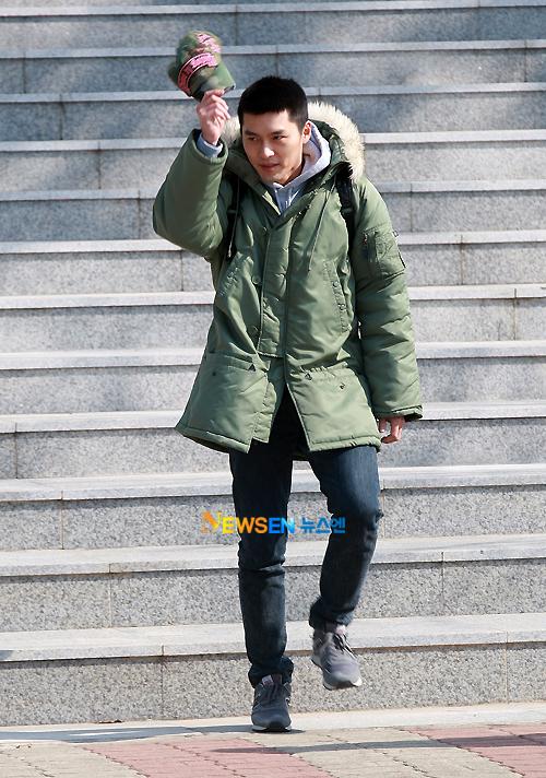 Kim Hyun Bin - Page 2 Hyun-bin-enlistment-12
