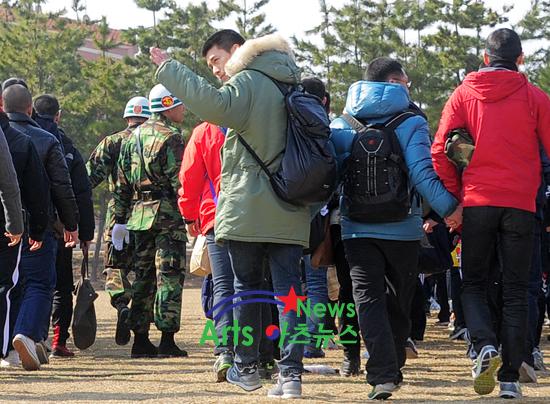 Kim Hyun Bin - Page 2 Hyun-bin-enlistment-14