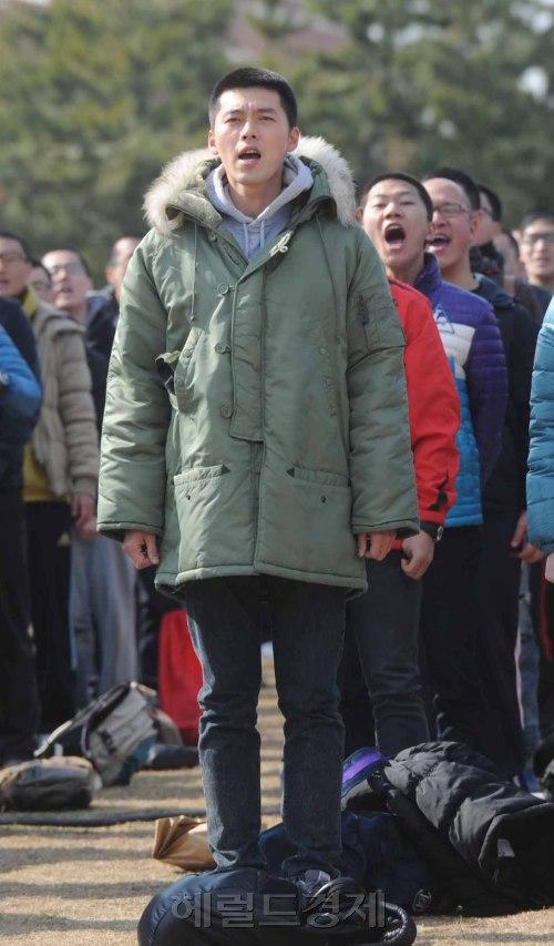 Kim Hyun Bin - Page 2 Hyun-bin-enlistment-9