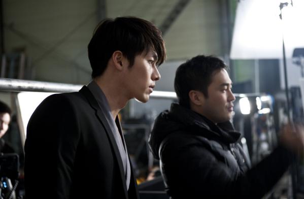 Kim Hyun Bin - Page 2 Hyun-bin-samsung-tv-7